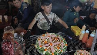 Street Food Vietnam - Hotboy 10 years old in the night market selling roast Dalat Griddle Cake