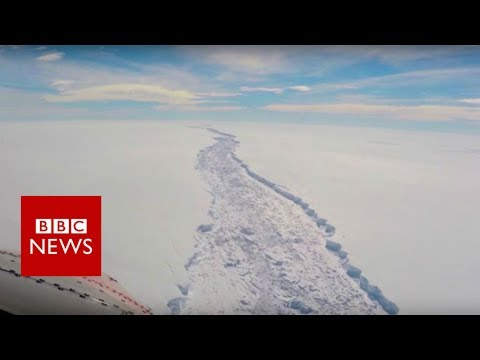Giant iceberg splits from Antarctic – BBC News
