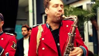 Meute   The Man With The Red Face | Live Plus Près De Toi