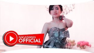 Gambar cover Ucie Sucita - You & I - Official Music Video - NAGASWARA