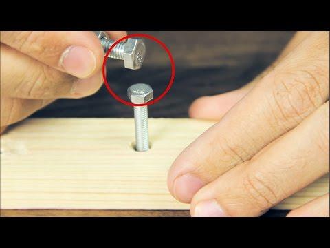 Así desatornillas un tornillo sin la llave inglesa apropiada. El truco de todos los trucos!