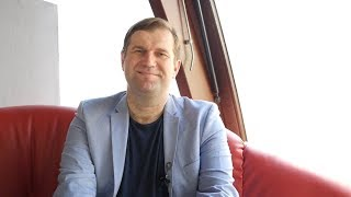 """Radosław Pyffel – kierownik studiów """"Biznes chiński"""" na Akademii Leona Koźmińskiego. Wywiad na temat aktualnej sytuacji na linii Chiny – USA."""
