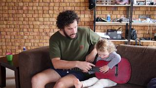 HOW TO TEACH A TODDLER TO PLAY GUITAR