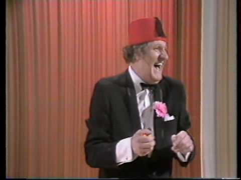 Tommy Cooper - Linking Rings
