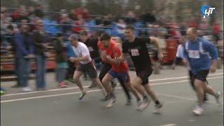 В 71-й раз в Великом Новгороде прошла легкоатлетическая эстафета, посвященная празднику Победы