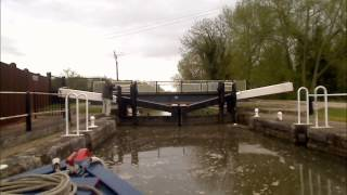 preview picture of video 'Narrowboat Timelapse on the Lee Navigation - Hertford to Feilde's Weir.'