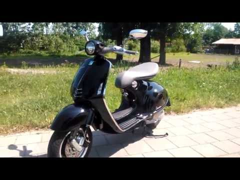 All New Vespa 946 walk around
