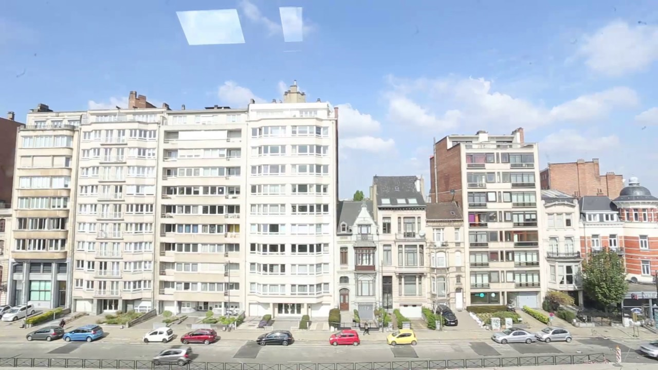 Double Bed in Rooms for rent in 3-bedroom apartment with central heating in Ixelles