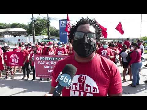 Integrantes do MST realizam protesto em Jaboatão dos Guararapes
