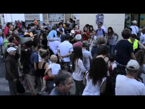 La vidéo officielle - Dominoes par Station House Opera à Marseille 28/09/14 (9') #Lieuxpublics