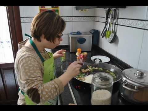 Watch videoSíndrome de Down: La paella de Haizea