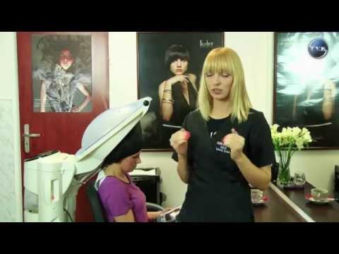 Wcierać olejek migdałowy włosy