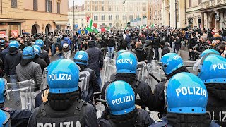 video: Watch: Restaurant owners in Rome scuffle with police as Italy lockdown protests continue