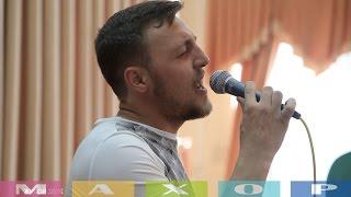 Поёт простой рабочий из Донецка