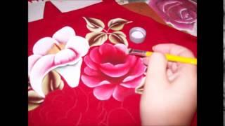 Avental vermelho – rosas e copos de leite