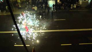 preview picture of video 'Correfoc cabalgata sants navidad 2010 (Diables de Sants)'
