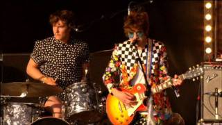 MGMT - Time to Pretend live @ Glastonbury 2010 High Quality Mp3 High Quality