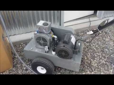 Deluxe Model Vacuum Pump with 1 Stainless Bucket assembly