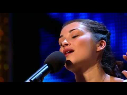 This Nervous Woman Sings 'My Funny Valentine' Beautifully