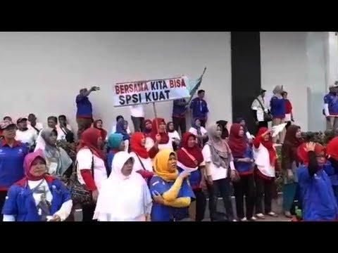 Lansia Mantan Pegawai PT Sandratex Unjuk Rasa di Pemkot Tangsel, Minta Bantuan Wali Kota