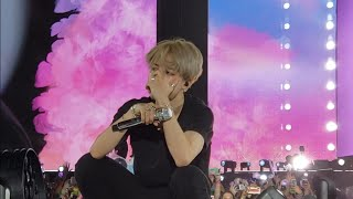 Gambar cover 181006 Answer: Love Myself - Jimin Crying @ BTS 방탄소년단 Love Yourself Tour in Citi Field NYC Fancam 직캠