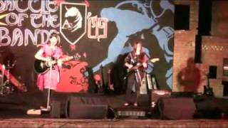 Momina Mustehsan`s ex-band DKDC - You Know My Name (live) at Aitchison college