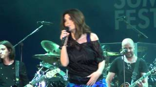 preview picture of video 'Laura Pausini - Le Cose Che Non Mi Aspetto - Summer Lucca Festival 2012'