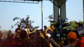 Lollapalooza 2010 - thenewno2 and Perry play Sweet Jane