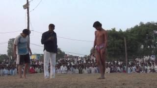 Men Vs Women :  Divya Sain Pins A Male Opponent - Hardoi Lucknow UP.