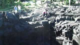 preview picture of video 'Souffleur d'Arbonne - Saint-Philippe - Ile de la Réunion - Reunion Island 01'