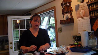Tessie Cans Jam In Baby Food Jars !