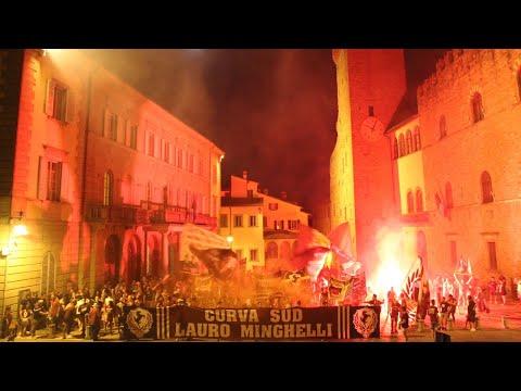 Tifosi in marcia per l'Arezzo e per un altro miracolo