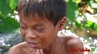 Primitive Technology - Eating delicious - Smart boy cooking frogs
