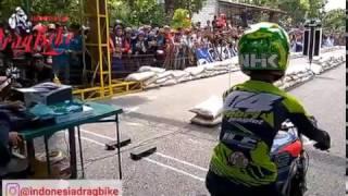 Pembalap Top  Drag bike Indonesia Salah Melihat Lampu !!! Febri Jenglot Vs Angga Cindil