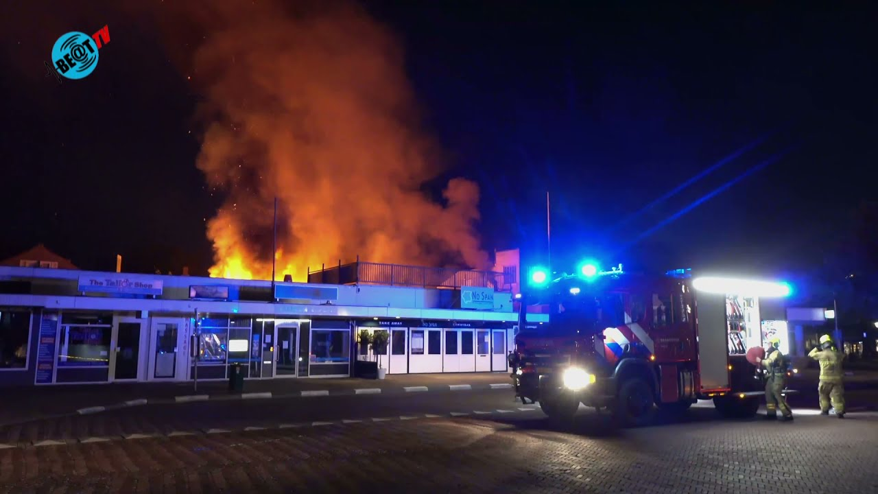 Grote brand in snackbar Bergen (21 juli 2021)