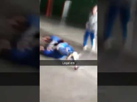 Brigas de meninas dentro do colégio são José Herval d oeste