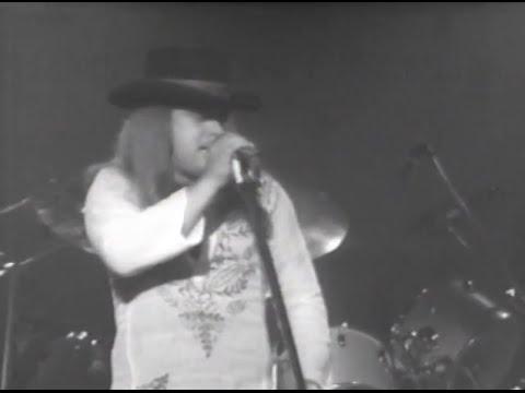 Lynyrd Skynyrd - I Ain't The One - 7/13/1977 - Convention Hall (Official)