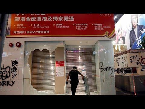 Jornada de confrontos em Hong Kong