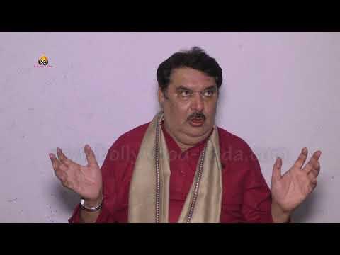 Padman And Akshay Kumar Getting Praised By Raza Murad