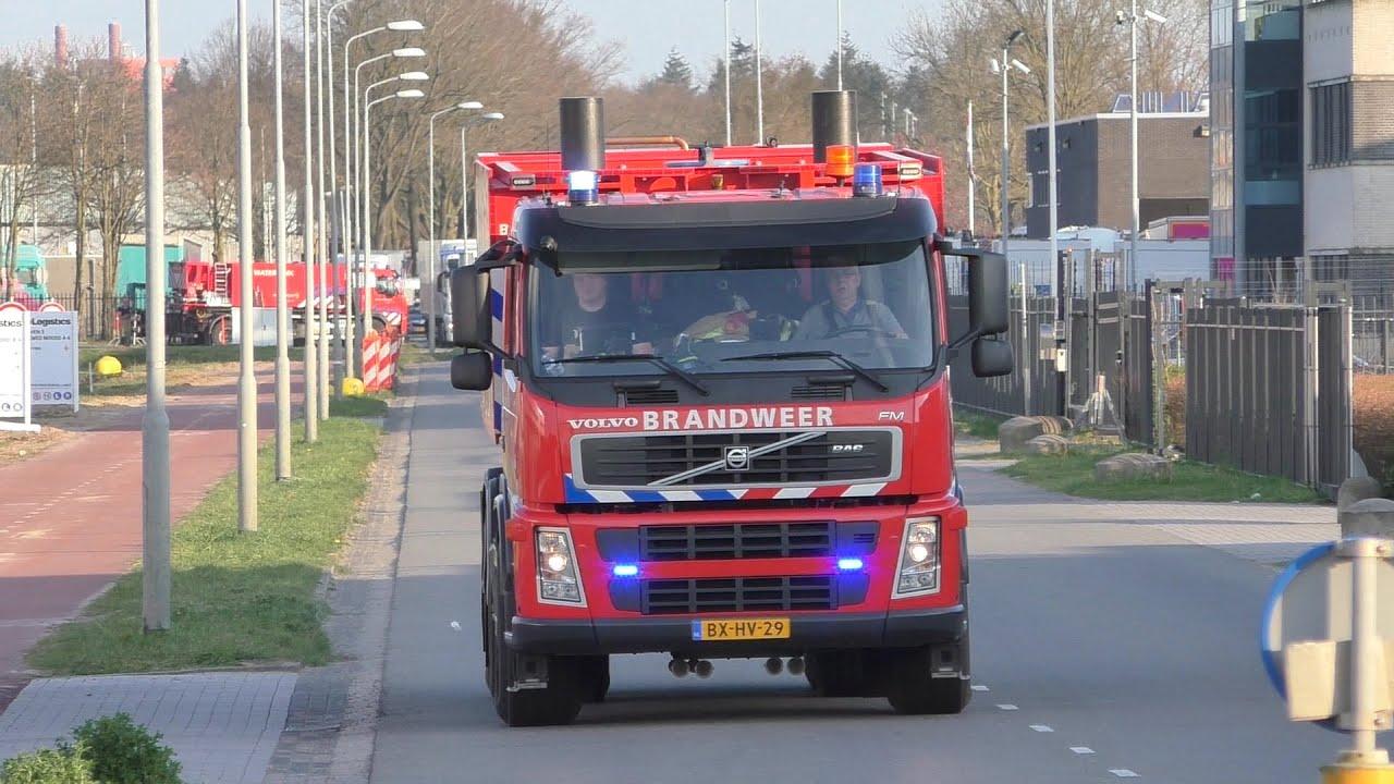 PRIO 1 HA 22-5181 + 22-5162 Brandweer Lieshout aankomst grote brand Renewi Achtseweg Noord Eindhoven