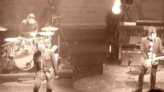 Beady Eye - Three Ring Circus - Manchester Apollo - March 6th 2011