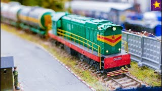 КРУТАЯ ЖЕЛЕЗНАЯ ДОРОГА Поезда и Машинки!!! Видео для детей от Игорюшины Игруши