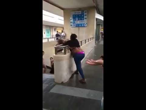 Nigerian Women Fight Shamelessly At Train Station