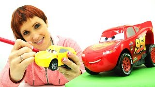 Видео про машинки: Молния Маквин учит английский.