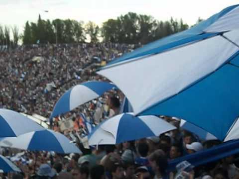 """""""Llega el domingo voy a ver al campeón , Tomba vos sos mi locura ♪♫"""" Barra: La Banda del Expreso • Club: Godoy Cruz"""