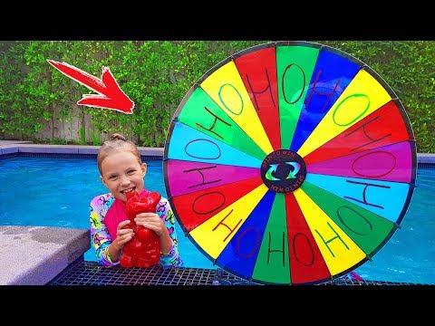 ОБЫЧНОЕ против НАДУВНОГО #4 / Дети играют в бассейне с НАДУВАШКАМИ / Николь Крейзи