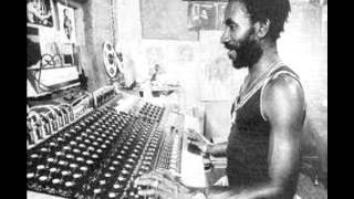 """Video thumbnail of """"Lee Scratch Perry - super ape in a good shape"""""""
