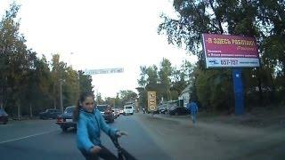 Девочка выскочила из-за грузовика. Архангельск.