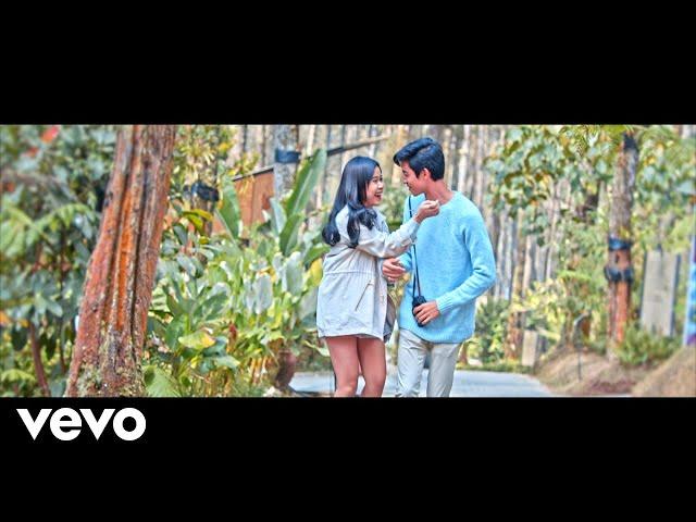 Brisia Jodie - Rekah (Official Music Video)