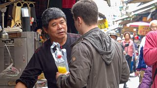 Clueless American Tourist Busts Out Perfect Chinese, Shocks Locals